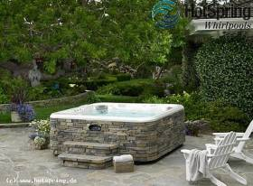 outdoor whirlpool mit natursteinoptik. Black Bedroom Furniture Sets. Home Design Ideas