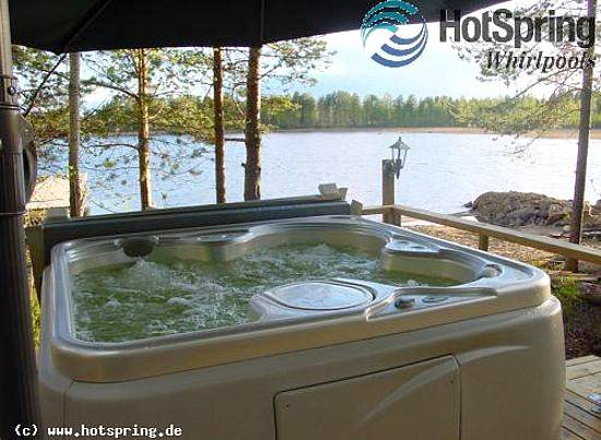 whirlpool auf der seeterrasse. Black Bedroom Furniture Sets. Home Design Ideas