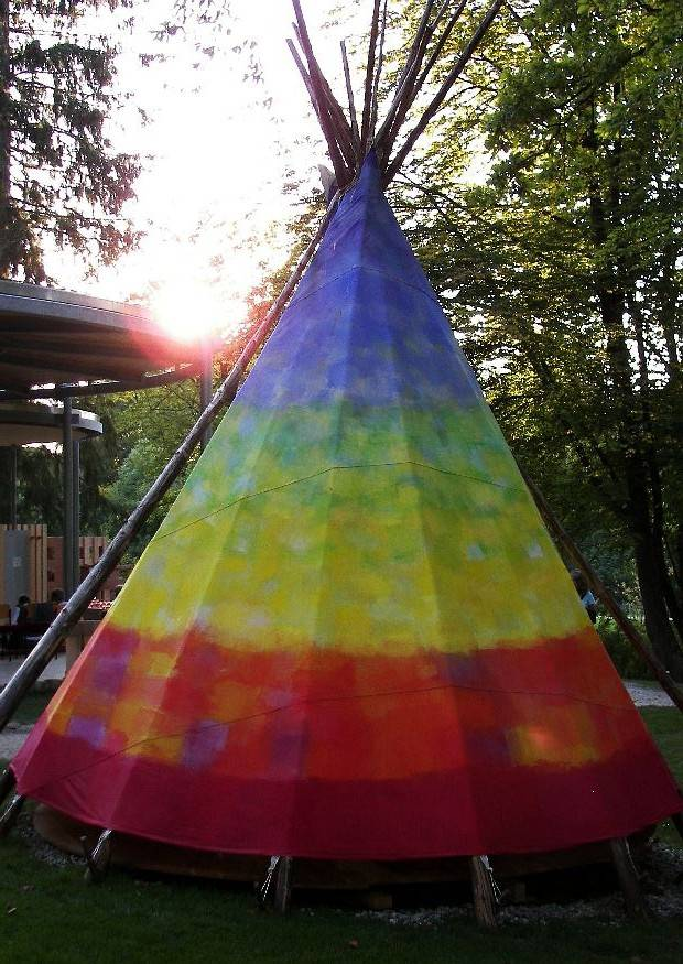 idee indianerzelt wigwam tipi oder jurte im garten garten schau villingen schwenningen 400. Black Bedroom Furniture Sets. Home Design Ideas