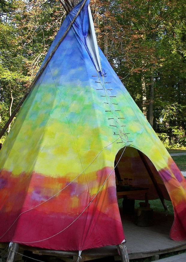 indianerzelt wigwam tipi oder jurte im garten. Black Bedroom Furniture Sets. Home Design Ideas