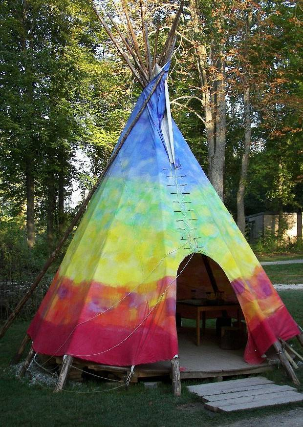 idee indianerzelt wigwam tipi oder jurte im garten garten schau villingen schwenningen 402. Black Bedroom Furniture Sets. Home Design Ideas