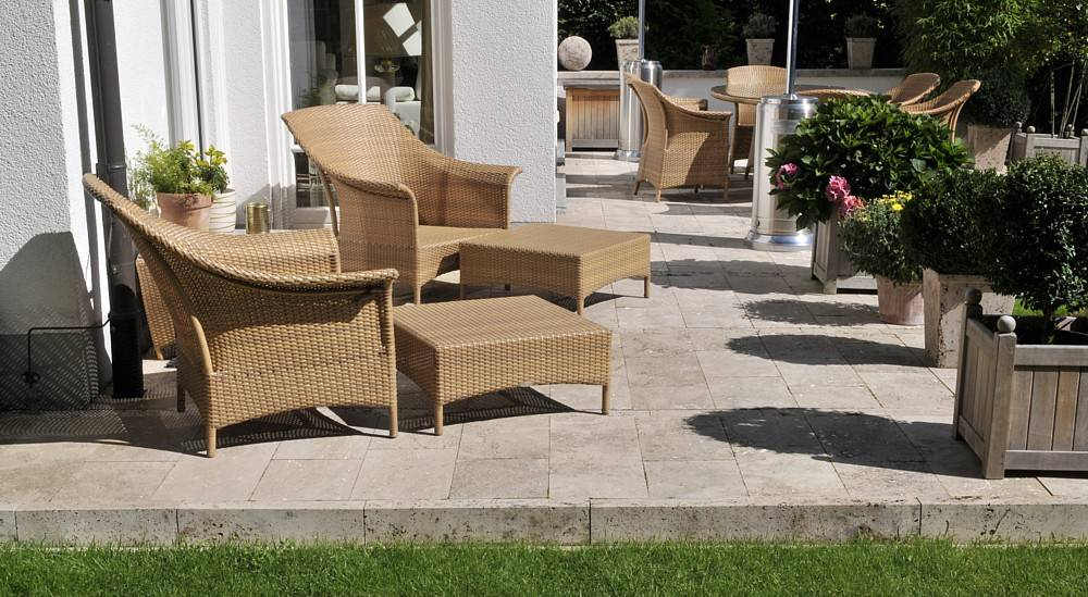 garten ideen f r deine terrassengestaltung und terrassenbelag aus naturstein travertin. Black Bedroom Furniture Sets. Home Design Ideas